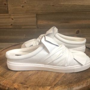 Halogen White Leather Tied up Slides Size 7